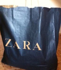 Bonzo en Murcia y Zara niega una manta