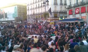 """El movimiento 15-M vuelve hoy a la puerta del sol para """"echar a la mafia"""""""