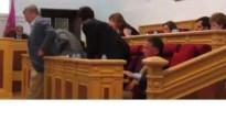 Vídeo: El PP de Toledo abandona el pleno municipal ignorando a los padres de niños con cáncer