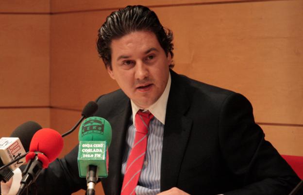 El concejal que pateó al anciano de las preferentes solo pagará 650 euros de multa