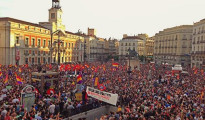 Cientos de plazas en toda España exigen la III República