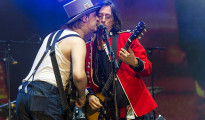 The Libertines despliegan su juerga gamberra en el FIB