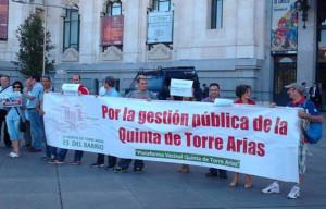 Vecinos de Madrid protestan contra Ana Botella por la cesión al Opus Dei de una finca histórica
