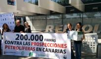 Más de 200.000 firmas contra los sondeos de Repsol en Canarias