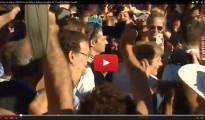 """Abucheos y gritos de """"¡Fuera!"""" para Rajoy y Merkel a su llegada a Santiago"""