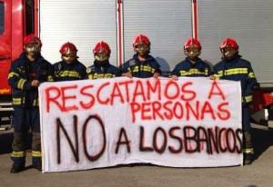 """El bombero que se negó a colaborar en un desahucio será juzgado por """"alteración del orden público"""""""