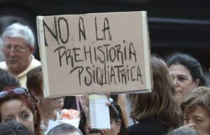 El PP madrileño privatiza la atención sanitaria a niños con trastono mental grave