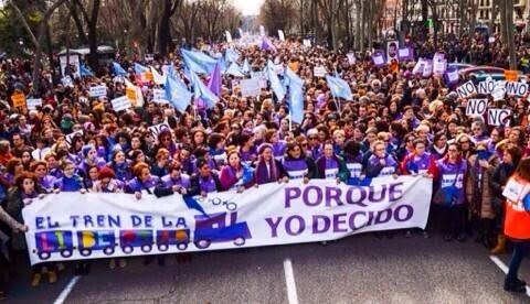 Ya es oficial: Rajoy para a Gallardón en su ley del aborto antes de las próximas elecciones