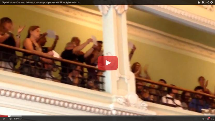 """Gritos de """"Alcalde, dimisión"""" en el pleno del Ayuntamiento de Valladolid (Vídeo)"""