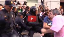 Cargas policiales, heridos y detenidos en el 'Rodea el Congreso' contra la monarquía