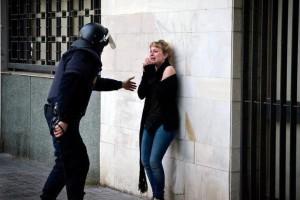 policía intimidación