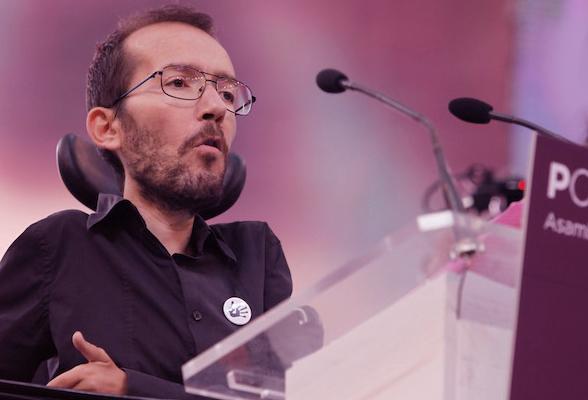 Echenique (Podemos) acusa a PP y PSOE de dificultar que los expatriados voten