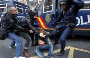 policia-agresión