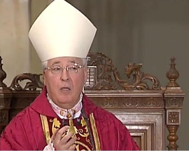 Obispo culpa a la educación por la homosexualidad
