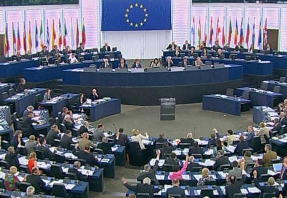 El Parlamento Europeo recomienda excluir de las listas electorales a condenados por corrupción