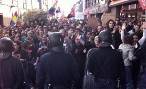 Protesta estudiantil y cargas policiales por la visita del ministro Wert a Tenerife