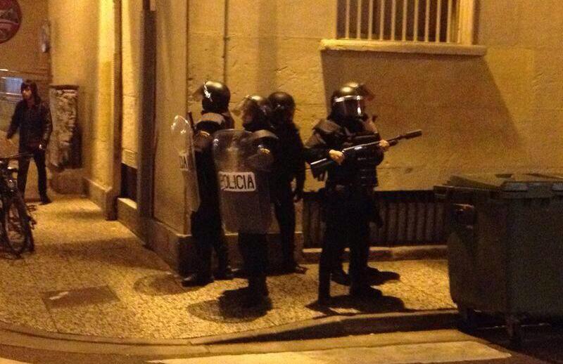 Cinco detenidos y un policía herido en Zaragoza