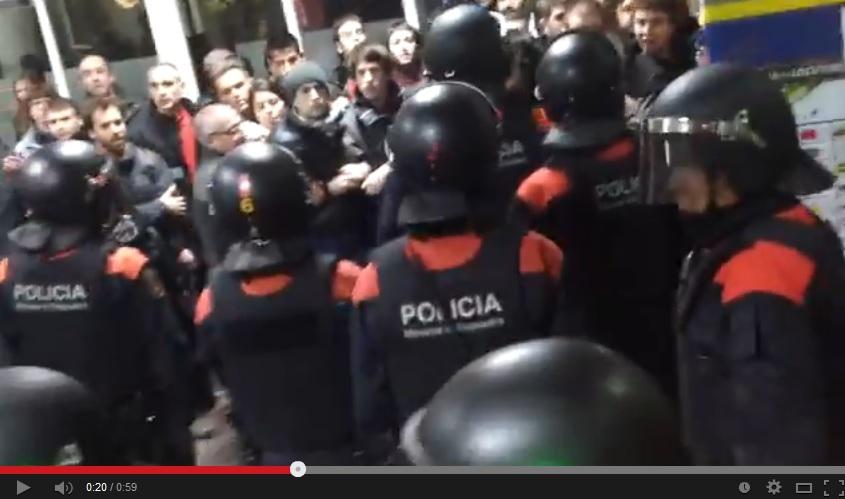 Vídeo: Los Mossos desalojan violentamente a los activistas de Stop Pujades en Manresa