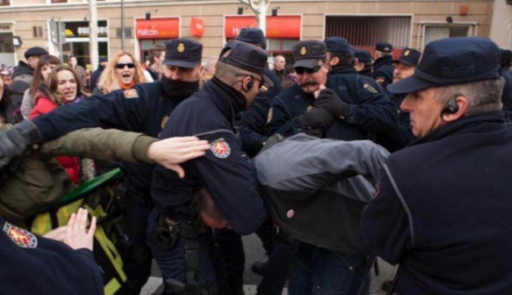 Valladolid - Carga Policial 2 de febrero de 2014