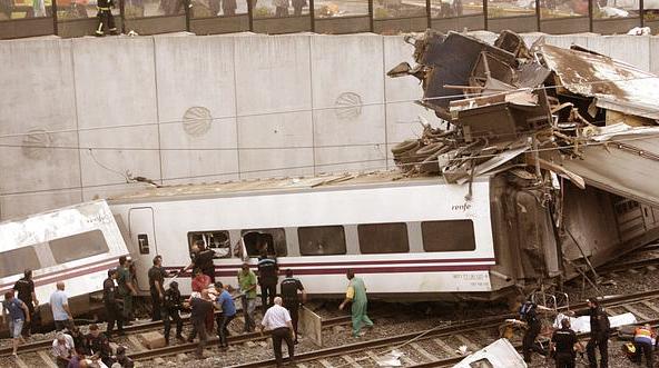 Adif llama inquisidor al juez del accidente de Santiago por pedir documentación del suceso