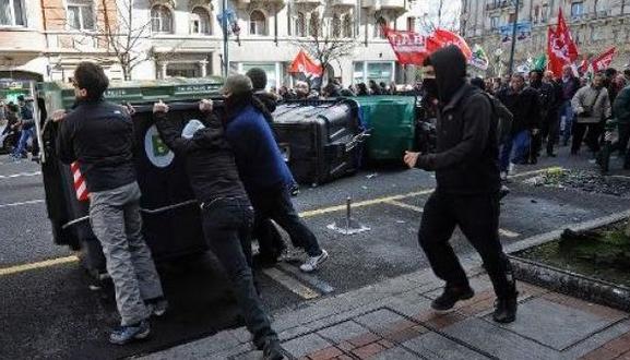 Batalla campal en Bilbao contra la Troika