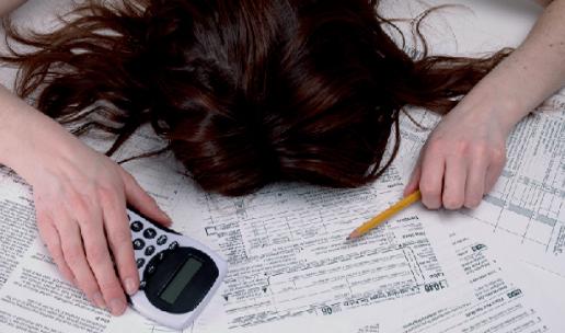 Oxfam Intermón denuncia la injusticia fiscal en España: las familias pagan 50 veces más impuestos que las grandes empresas