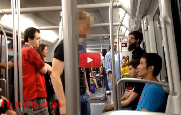 (Vídeo) Comete una agresión racista en el metro de Barcelona y se identifica en Twitter