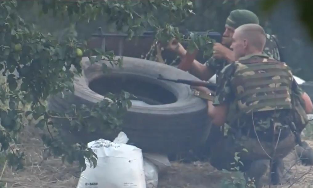 El ejército ucraniano ataca con artillería pesada el centro de la capital prorrusa Donetsk