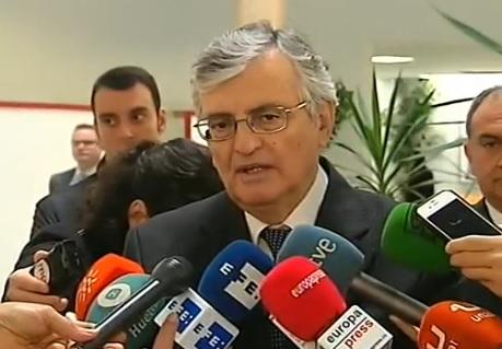 El fiscal general del Estado presenta su dimisión por desavenencias con el Gobierno