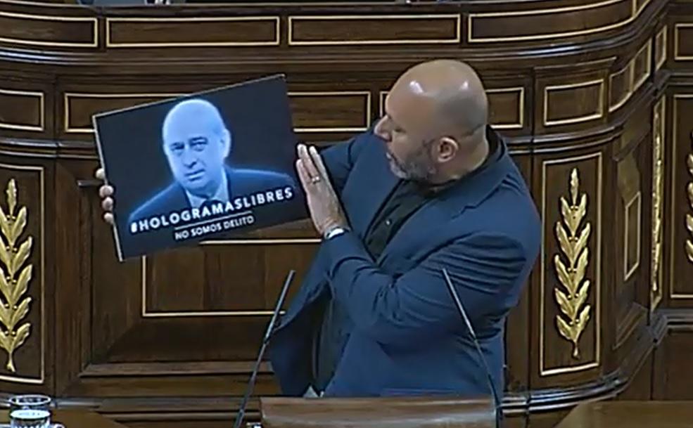 """Queda aprobada la """"Ley Mordaza"""" con el único apoyo del PP para su entrada en vigor"""